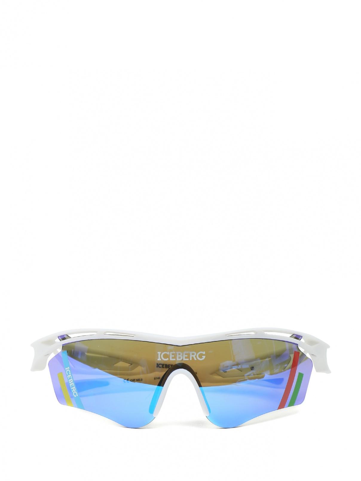 Очки солнцезащитные в спортивном стиле Linda Farrow  –  Общий вид